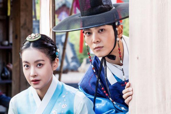 10-phim-han-moi-hot-nhat-thang-5-fans-lai-tha-ga-an-tiec-p2 10