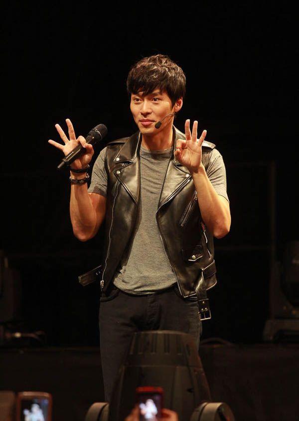 nhung-sao-han-chieu-long-fans-cua-minh-qua-u-la-dang-yeu 8