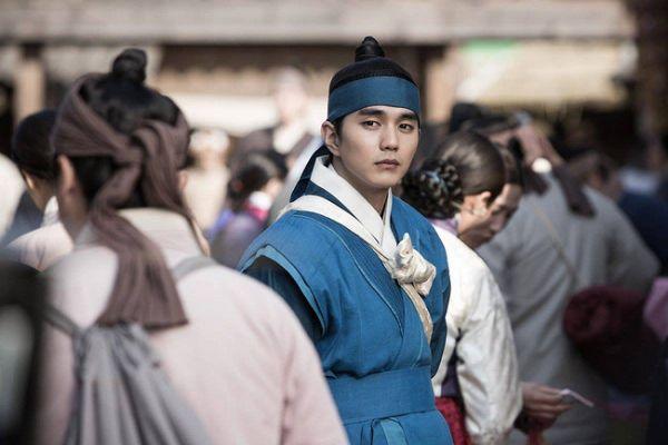 trai-dep-yoo-seung-ho-danh-bai-ji-chang-wook-ngay-dau-len-song 4