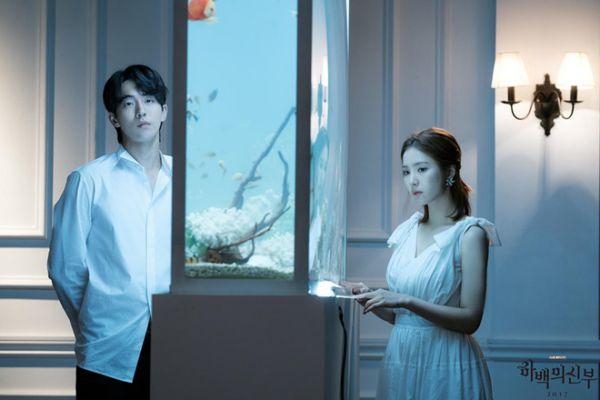 top-phim-han-hot-cuoi-2017-duoc-khan-gia-hong-hong-tung-ngay