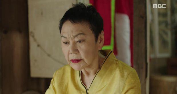 chuyen-tau-y-duc-rating-tap-78-lai-tang-manh-nho-giot-nuoc-mat 10