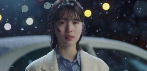 while-you-were-sleeping-lee-jong-suk-va-suzy-hon-nhau-tu-teaser-1 3
