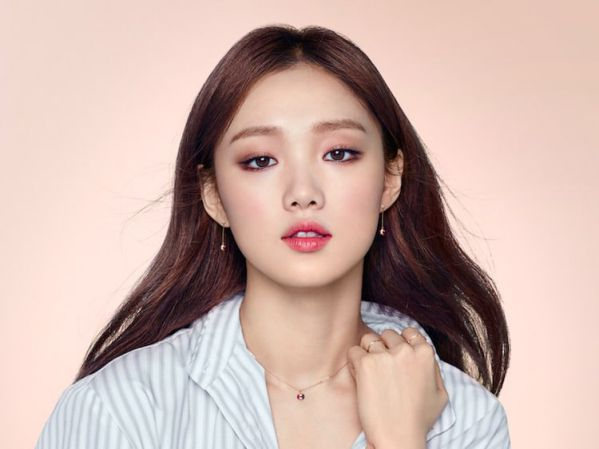 hong-2-bo-phim-sap-ra-mat-cua-lee-sung-kyung-nam-2018
