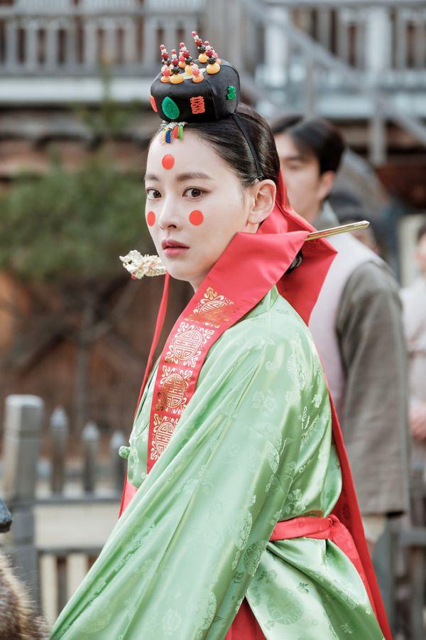 troi-tvn-tung-anh-cuoi-cua-jin-sun-mi-hoa-du-ky-la-co-gi-y-day 8