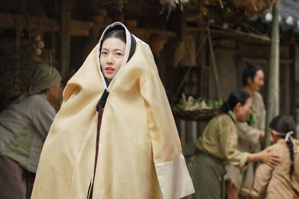phim-dien-anh-han-thang-2-2018-co-trang-giat-gan-kich-tinh-phieu-luu 14