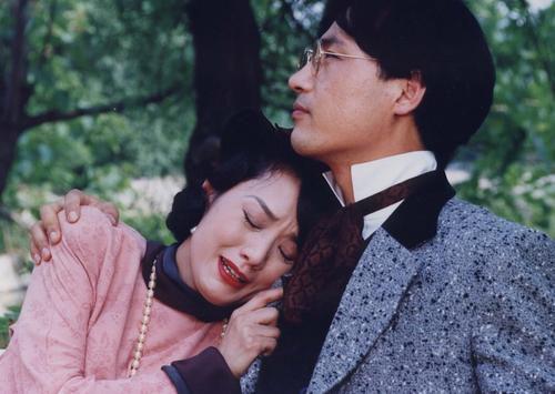 lee-jong-suk-tro-lai-du-an-phim-moi-mang-ten-hymn-of-death 6