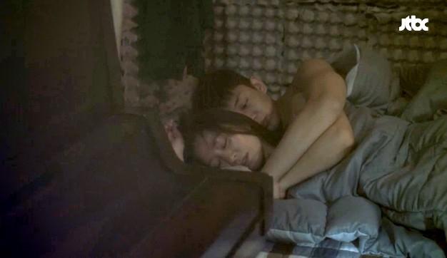 """""""Chị Đẹp Mua Cơm Ngon Cho Tôi"""" tập 5 có cảnh nóng giường chiếu"""
