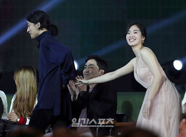 baeksang-2018-1987-when-the-day-comes-va-secret-forest-thang-dam 15