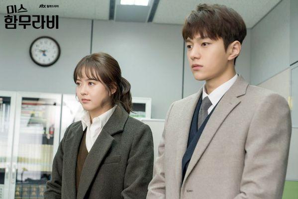 vi-sao-miss-hammurabi-hot-hon-about-time-cua-lee-sung-kyung 11