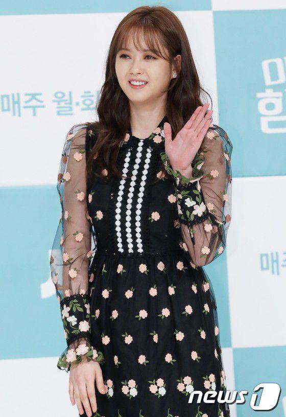 vi-sao-miss-hammurabi-hot-hon-about-time-cua-lee-sung-kyung 4