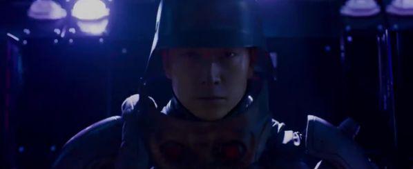 inrang-bom-tan-vien-tuong-cua-kang-dong-won-tung-trailer-man-nhan 1