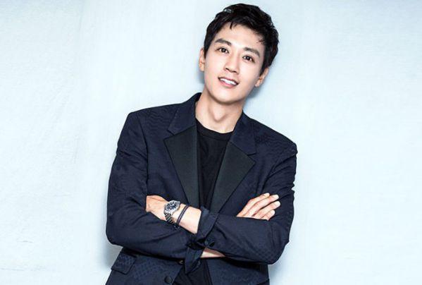 kim-rae-won-se-tham-gia-du-an-phim-long-live-the-king