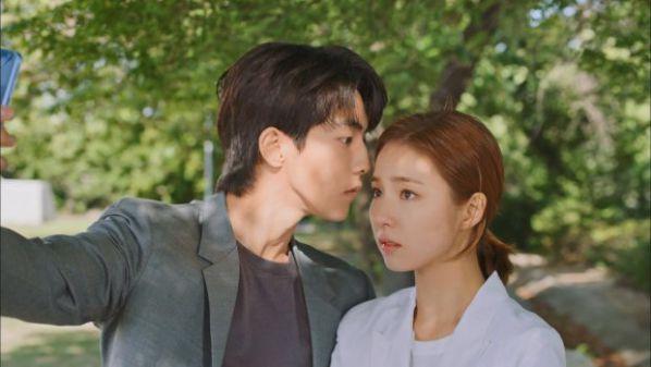 nam-joo-hyuk-tro-lai-cung-du-an-phim-because-its-my-first-love 2