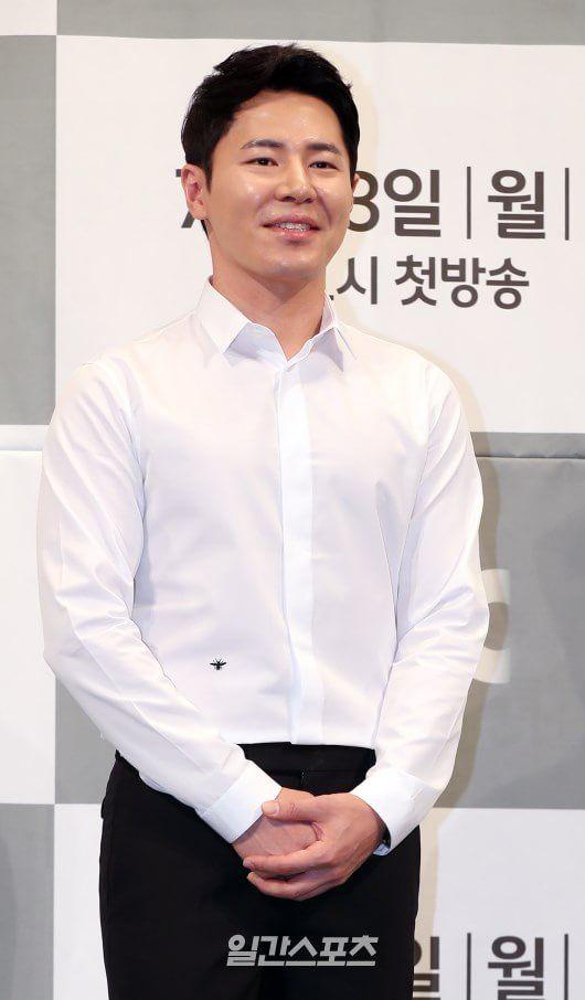 """Họp báo ra mắt phim """"Life"""", Thần chết Lee Dong Wook áp đảo tất cả 12"""