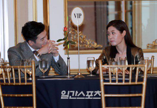"""Họp báo ra mắt phim """"Life"""", Thần chết Lee Dong Wook áp đảo tất cả 19"""