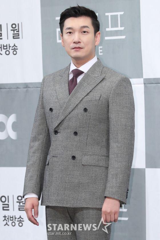 """Họp báo ra mắt phim """"Life"""", Thần chết Lee Dong Wook áp đảo tất cả 6"""