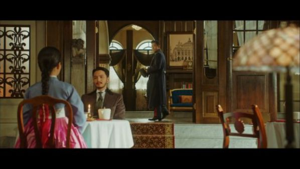 """""""Mr Sunshine"""" tập 5, 6: Eugene Choi tỏ tình với Go Ae Sin để trả thù?12"""