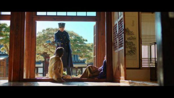 """""""Mr Sunshine"""" tập 5, 6: Eugene Choi tỏ tình với Go Ae Sin để trả thù?15"""