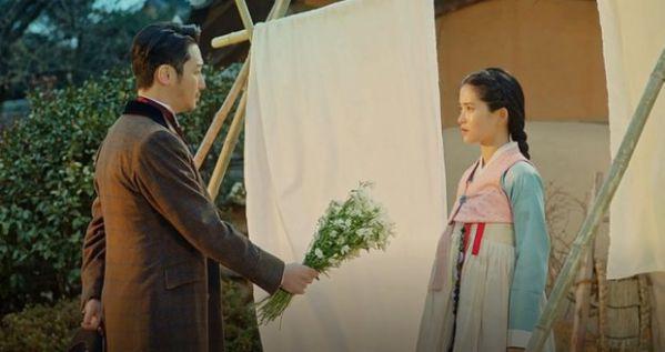 """""""Mr Sunshine"""" tập 5, 6: Eugene Choi tỏ tình với Go Ae Sin để trả thù?3"""