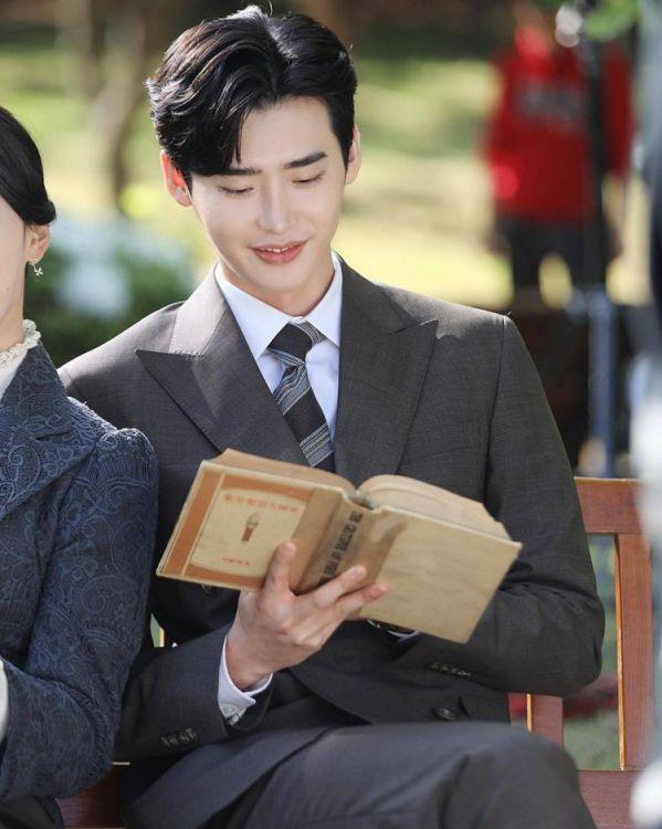 Hậu trường 'Hymn of Death': Lee Jong Suk, Shin Hye Sun tình cảm quá! 1