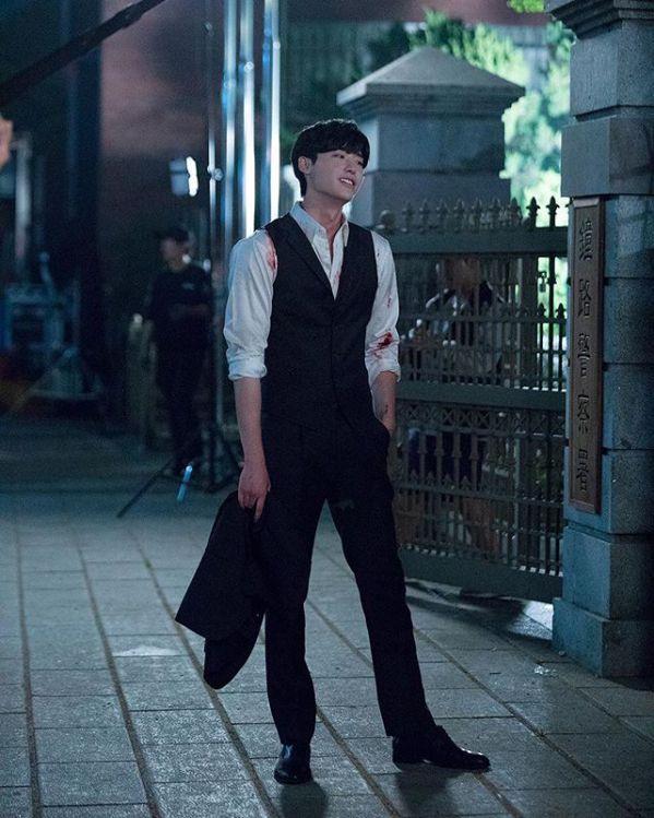 Hậu trường 'Hymn of Death': Lee Jong Suk, Shin Hye Sun tình cảm quá! 3