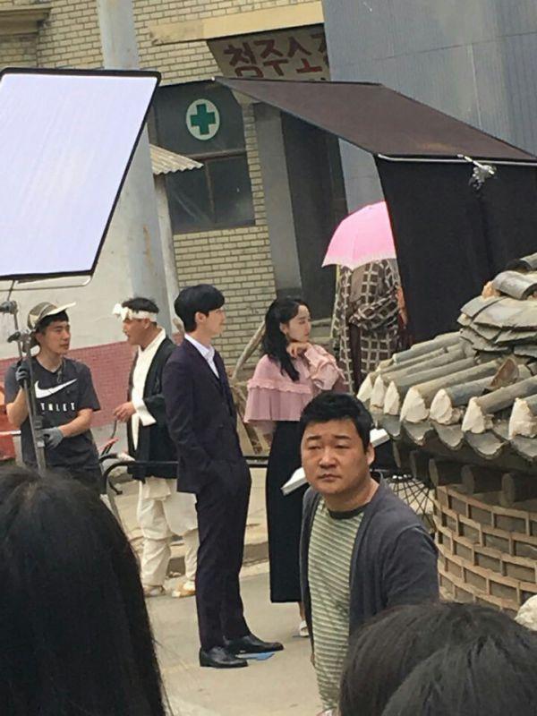 Hậu trường 'Hymn of Death': Lee Jong Suk, Shin Hye Sun tình cảm quá! 4