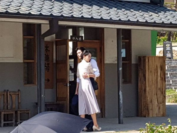 Hậu trường 'Hymn of Death': Lee Jong Suk, Shin Hye Sun tình cảm quá! 6