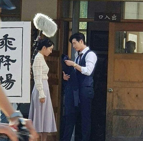 Hậu trường 'Hymn of Death': Lee Jong Suk, Shin Hye Sun tình cảm quá! 7