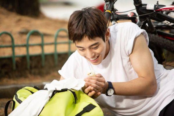 """Ahn Hyo Seop sẽ sánh đôi cùng Kim So Hyun trong """"Love Alarm""""? 11"""