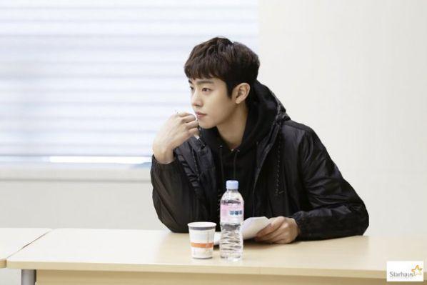 """Ahn Hyo Seop sẽ sánh đôi cùng Kim So Hyun trong """"Love Alarm""""? 5"""