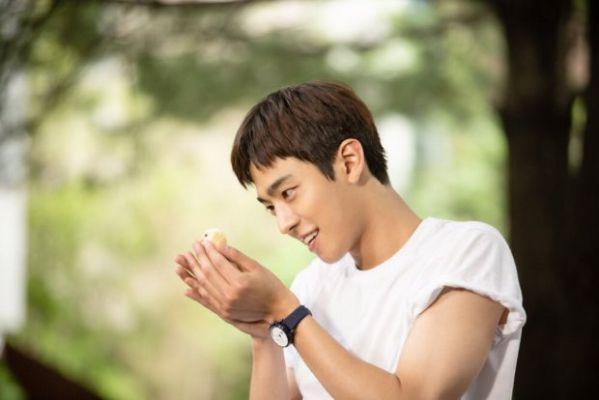 """Ahn Hyo Seop sẽ sánh đôi cùng Kim So Hyun trong """"Love Alarm""""? 10"""