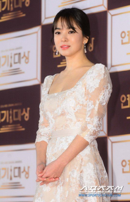 Kim Tae Hee và Song Hye Kyo trở lại đóng phim, Netizen Hàn nói gì?6