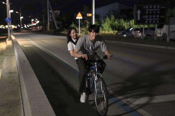 """""""On Your Wedding Day"""": Bộ phim tình cảm đẹp và đẫm cảm xúc 3"""
