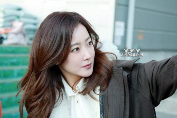 """Phim """"Nine Room"""" của Kim Hee Sun, Kim Young Kwang ra mắt tháng 9 2"""
