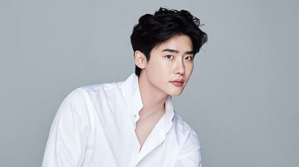 """Lee Jong Suk và Lee Na Young hợp tác trong """"Romance Supplement""""? 3"""