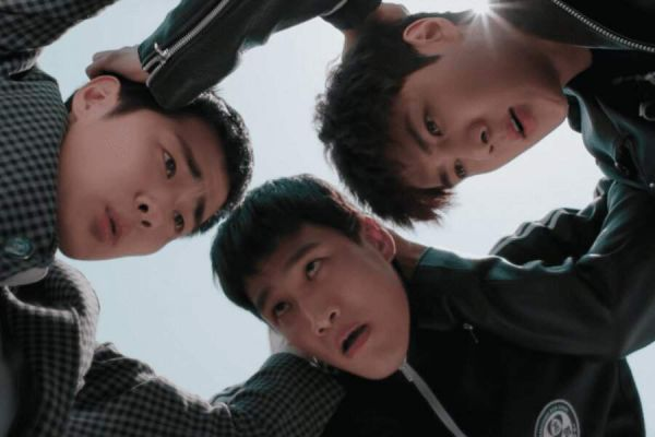 """Mọt phim nóng lòng muốn xem """"Dokgo Rewind"""" của Sehun là vì? 10"""