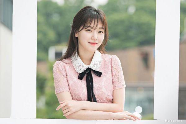"""Nữ phụ đóng """"Người Đẹp Gangnam"""" mê mệt vì Cha Eun Woo quá đẹp 3"""