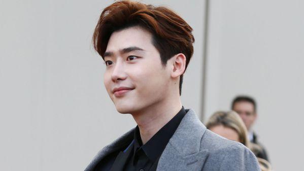 """""""Romance Supplement"""": Lee Jong Suk đã chính thức xác nhận tham gia 2"""