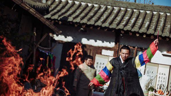 Top phim kinh dị tâm linh Hàn hay và ám ảnh nhất đề tài trừ tà 2