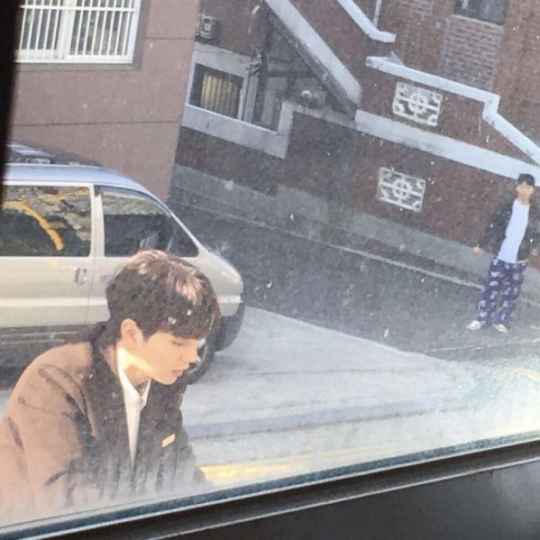 """""""Bok Soo Is Back"""" hé lộ ảnh phim trường đầu tiên của Yoo Seung Ho 1"""