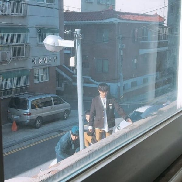 """""""Bok Soo Is Back"""" hé lộ ảnh phim trường đầu tiên của Yoo Seung Ho 2"""