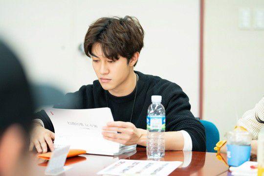 """""""Bok Soo is Back"""": Yoo Seung Ho, Jo Bo Ah cùng đọc kịch bản phim 4"""