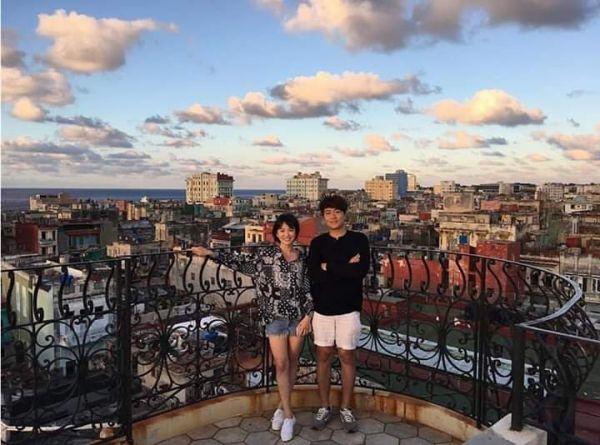 'Boyfriend': Loạt ảnh mới nhất của Park Bo Gum, Song Hye Kyo tại Cuba 2