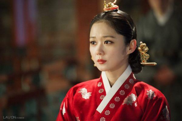 """""""Empress's Dignity"""": Phim cổ trang của Jang Nara sắp lên sóng tháng 11 3"""