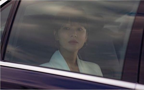 """Hé lộ những hình ảnh đầu tiên của Song Hye Kyo trong """"Boyfriend"""" 2"""