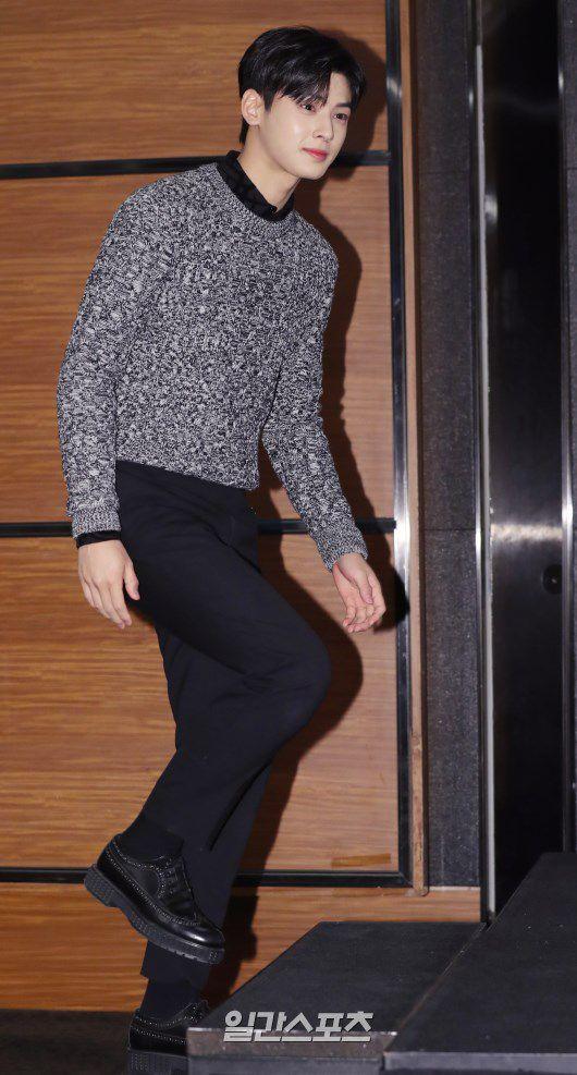 """Họp báo """"Top Management"""": Cha Eun Woo, Ahn Hyo Seop đẹp quá! 1"""