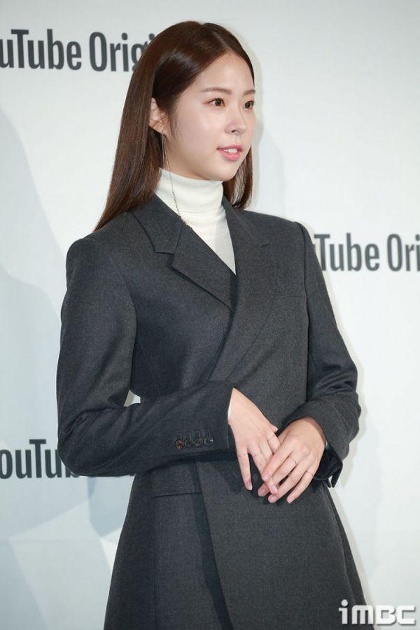 """Họp báo """"Top Management"""": Cha Eun Woo, Ahn Hyo Seop đẹp quá! 18"""