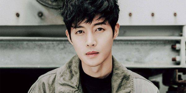 """Kim Hyun Joong đọc kịch bản """"When Time Stopped"""" chuẩn bị lên sóng 2"""