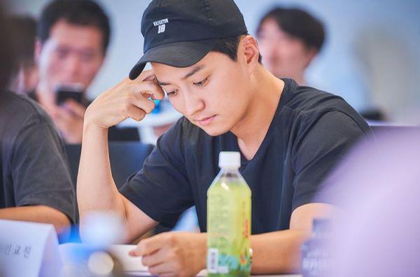 """Kim Hyun Joong đọc kịch bản """"When Time Stopped"""" chuẩn bị lên sóng 5"""