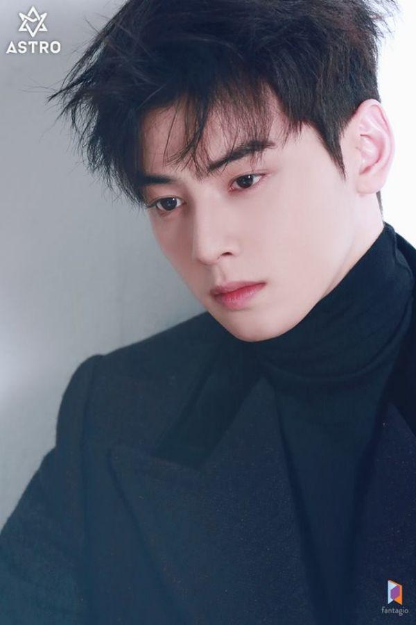 """Loạt ảnh mới của Cha Eun Woo tháng 10 này có làm bạn """"rụng tim""""? 2"""